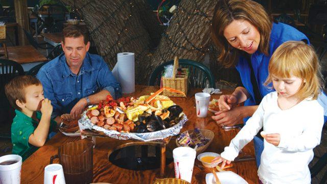 172_1691_Dining_Crab_Shack.jpg