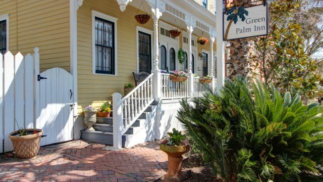 Green Palm Inn Exterior 2
