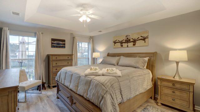 Pooler travelers retreat v bedroom