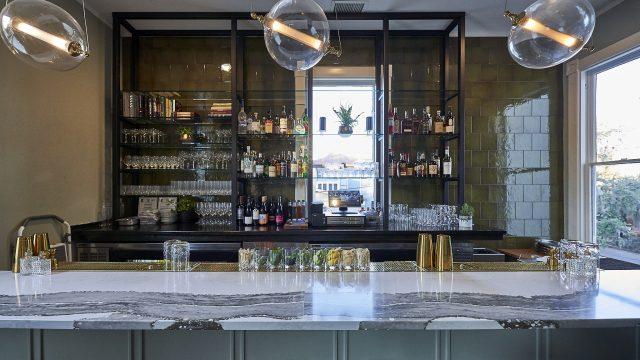 Restaurant-Interior/Bar