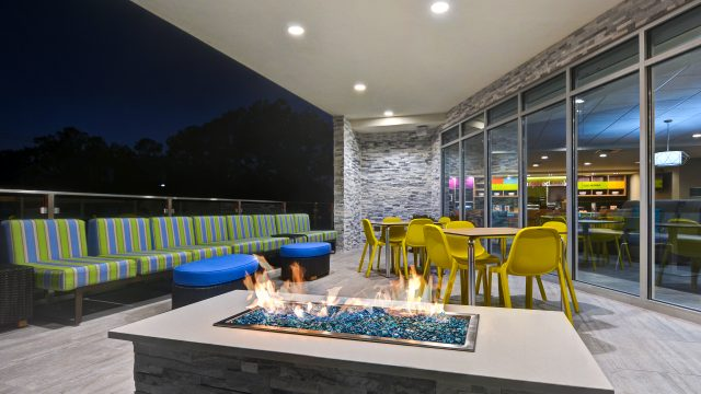 Outdoor Patio/Firepit